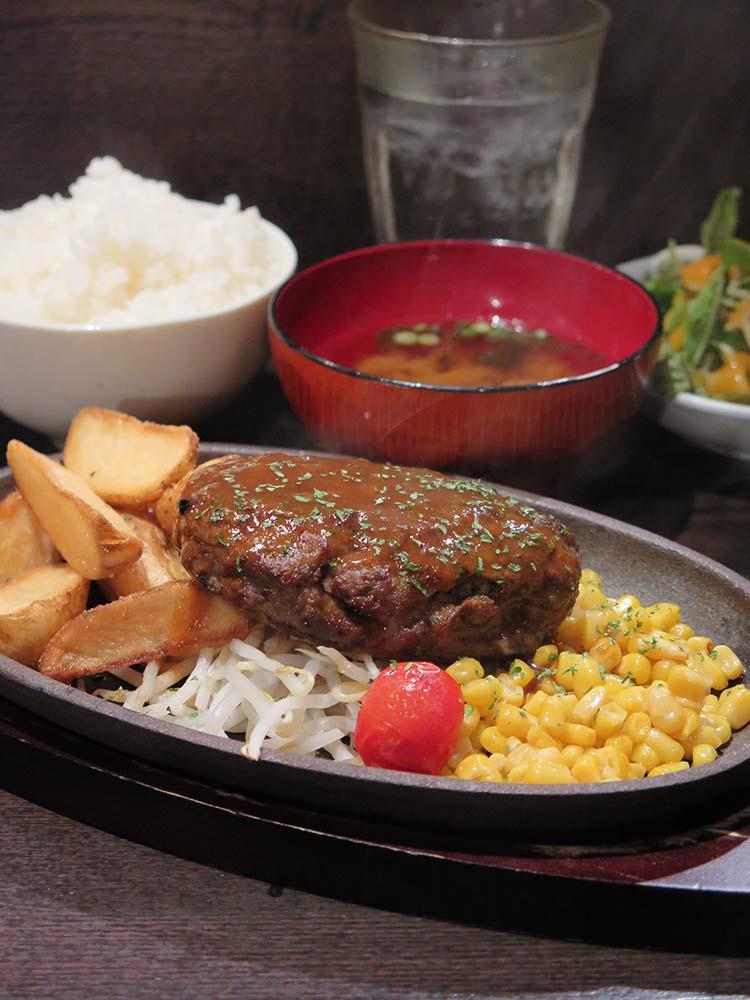 Beef100%粗挽き源'sハンバーグ デミグラスソース