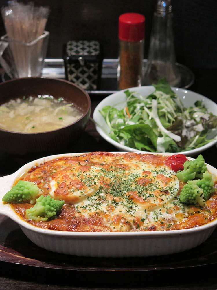 牛ラグーのトマトクリームドリア