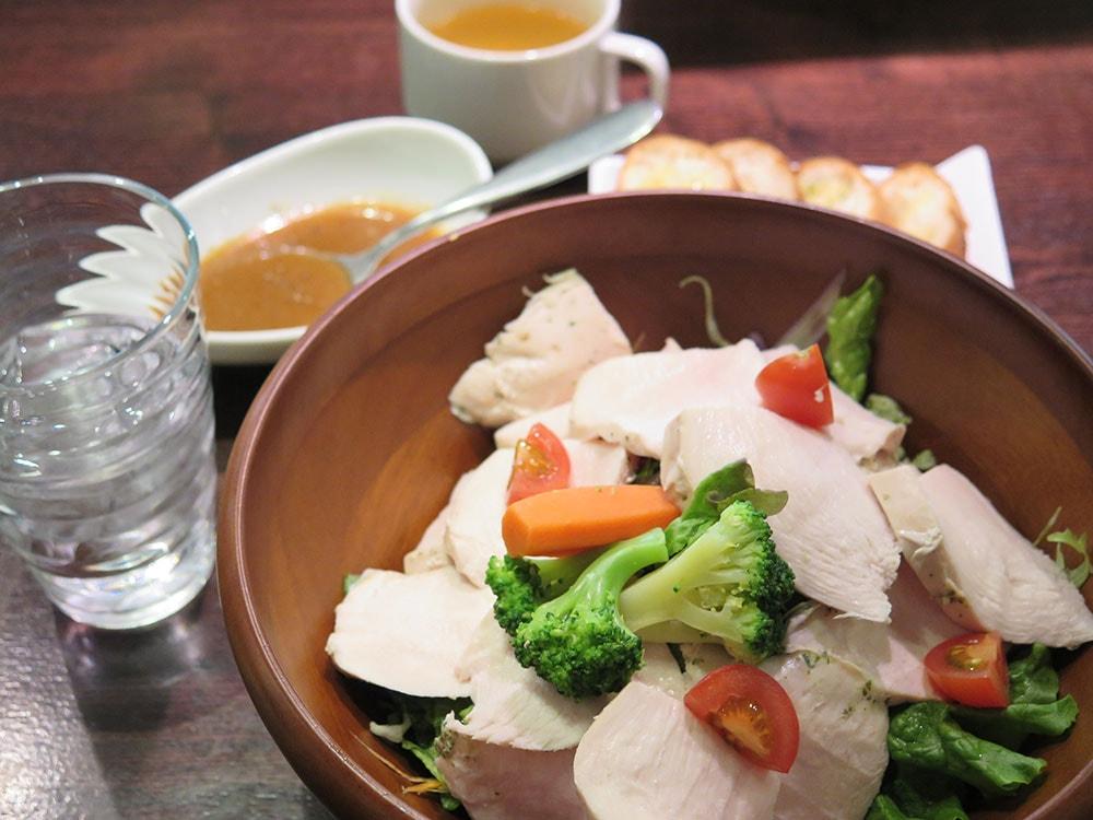 鶏胸肉のチョップドサラダ