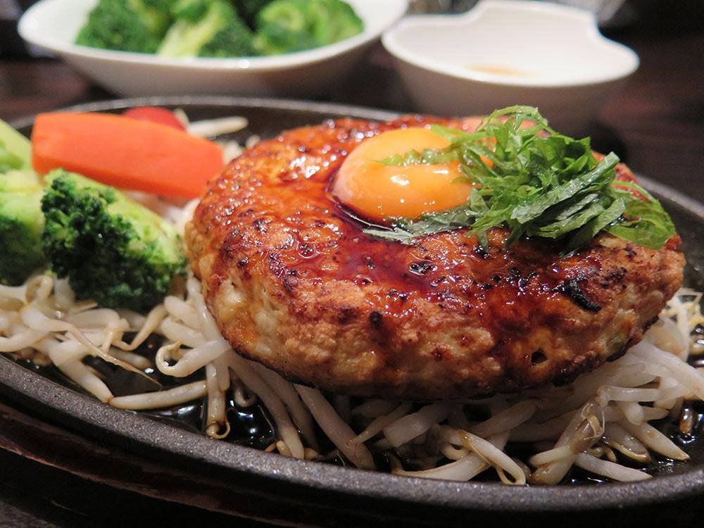 鶏肉と豆腐の月見バーグ
